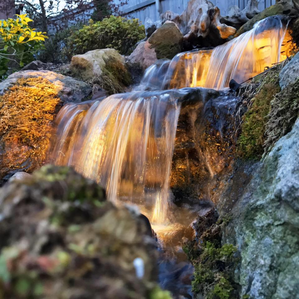 Disappearing or Pondless Waterfalls